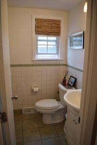 72181101_13_2bathroom